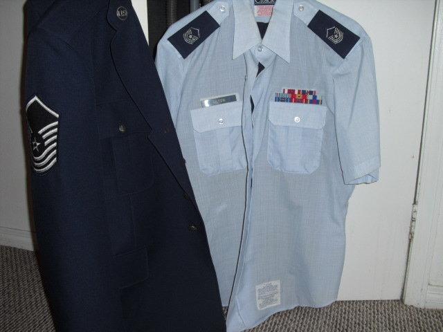 Uniform.JPG.83fd9a0f3c03ea58787081fe6531dbde.JPG