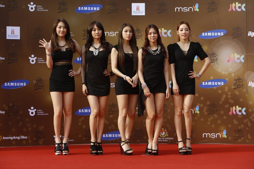 SamsungGirls.jpg