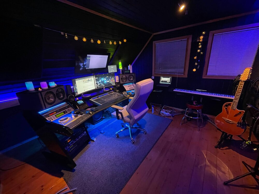 desk2.thumb.jpg.be40eef4b15b252756c54838870408e3.jpg