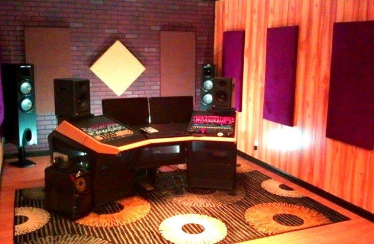 mastering-studio-2(2).jpg.1e30768dc60fd24786be149a8031c9b5.jpg
